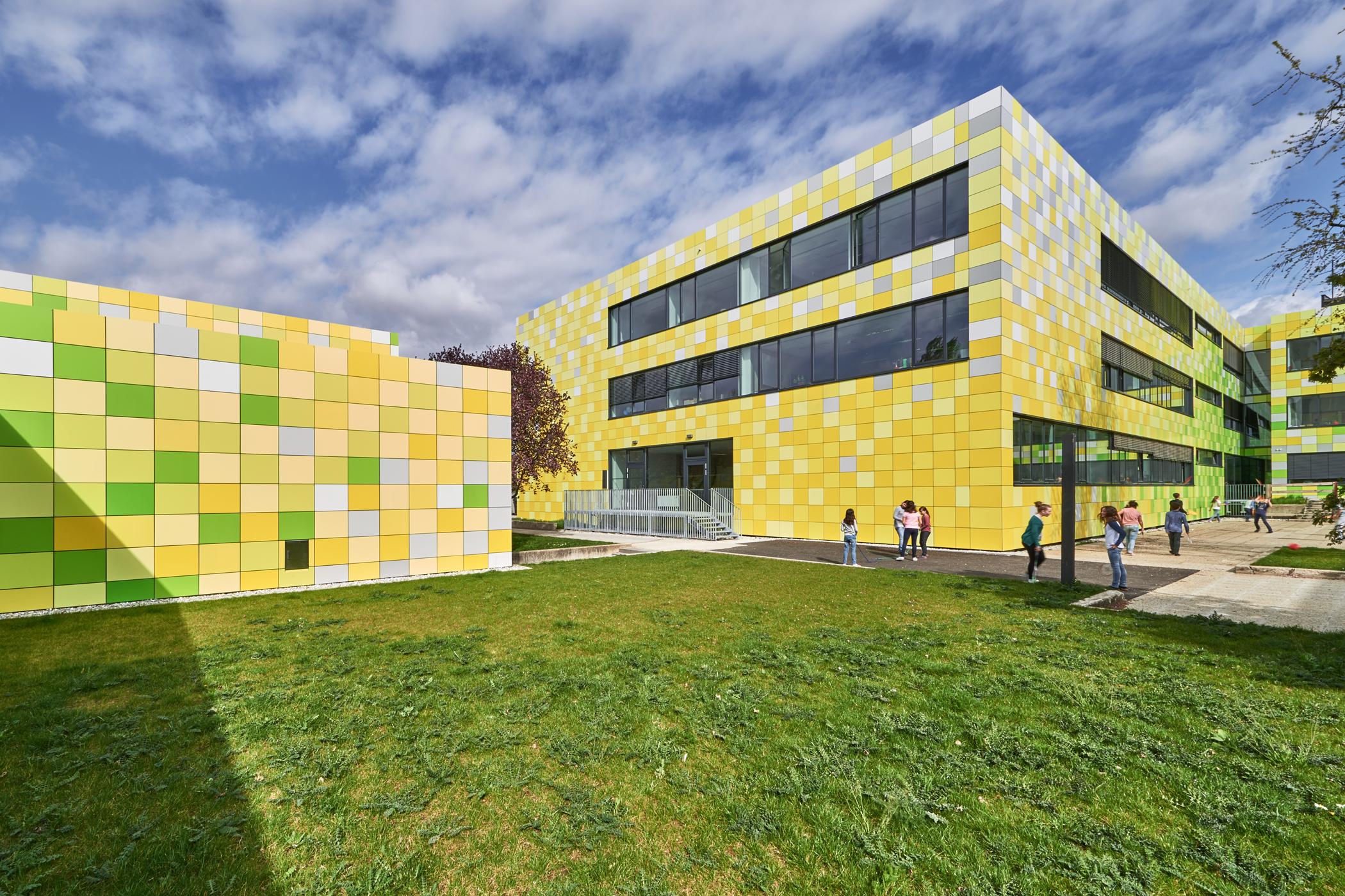 Renovation Of The Secondary Academic School In Bruck An Der